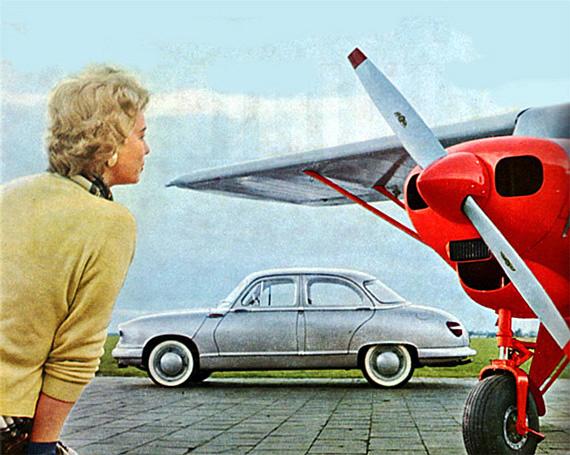 Panhard Dyna Z met vliegtuig