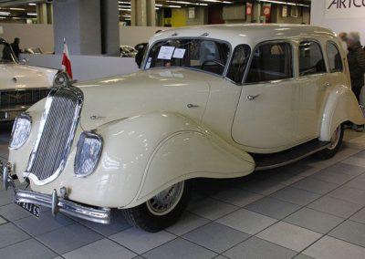 1939 X81 Limousine Dynamic 140 six-fenêtres